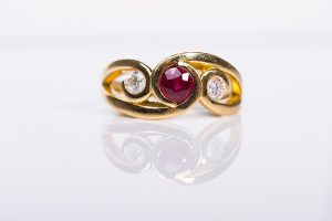 gold ruby diamond ring